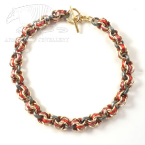 Al.Lge-chain-n'lace-red_gold